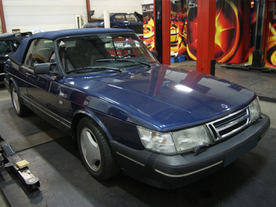 KCP <a href='/fr/portefeuille/article/37-saab-900-classic-cabriolet-2-0t' title='Read more...' class='joodb_titletink'>Saab 900 Classic Cabriolet 2.0T</a>