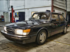 KCP <a href='/fr/portefeuille/article/117-saab-900-classic-2-0-turbo' title='Read more...' class='joodb_titletink'>Saab 900 Classic 2.0 Turbo</a>
